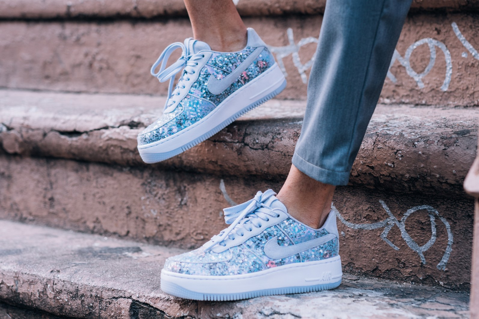 La Nike Air Force Upstep Low « Glass Slipper »: une pépite !