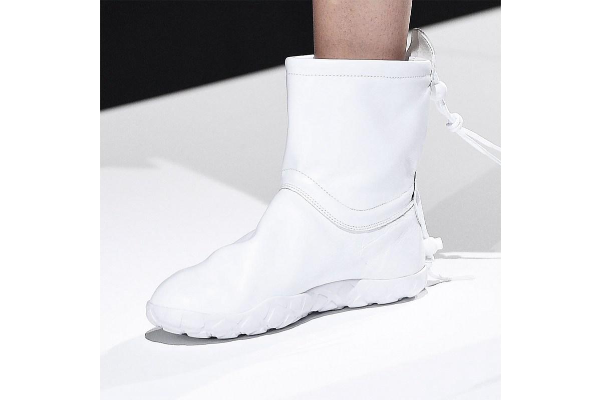 La COMME DES GARÇONS x Nike Air Moc désormais disponible !