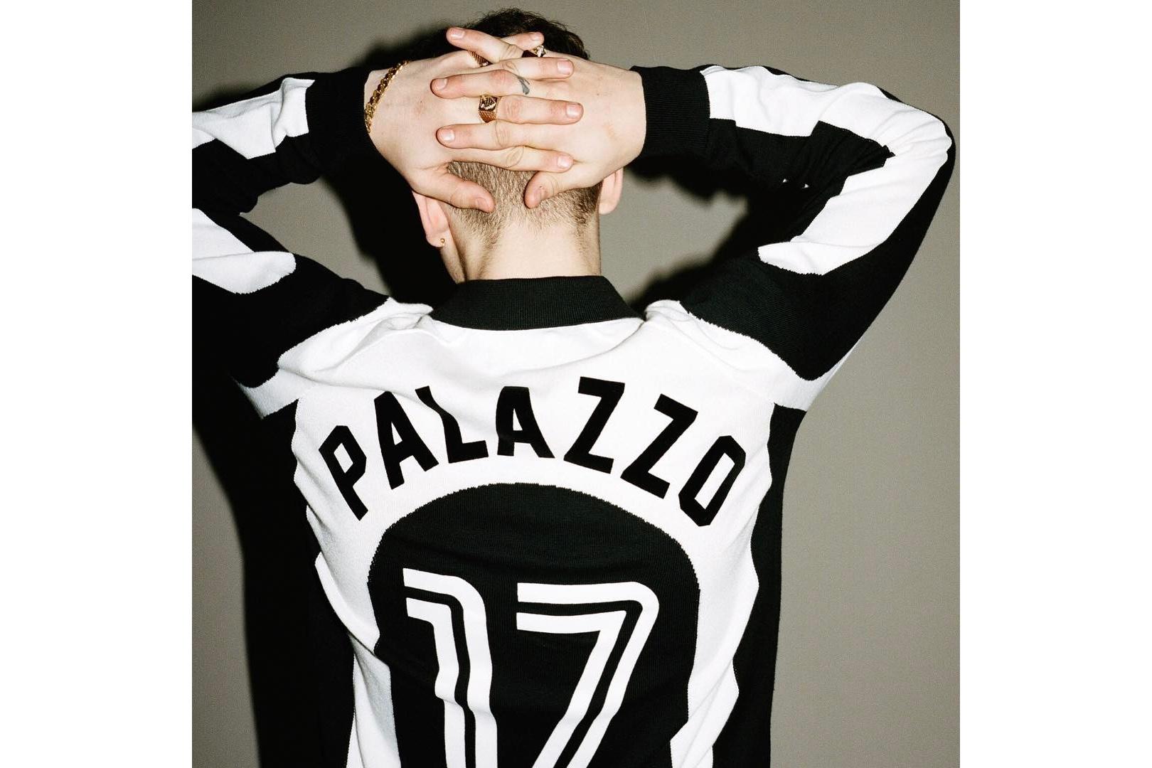 Palace tease un maillot de foot rétro pour sa série SS17