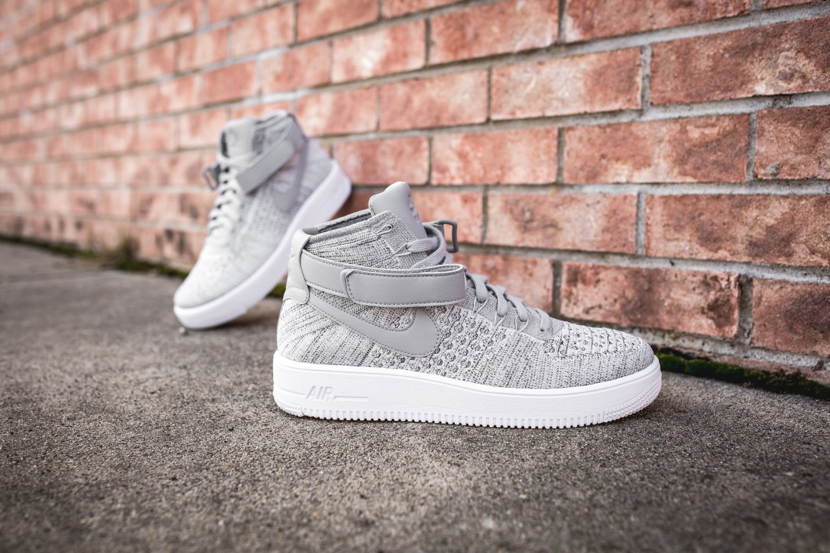 Voici l'inédite Nike Air Force 1 Ultra Flyknit Mid « Wolf Grey »