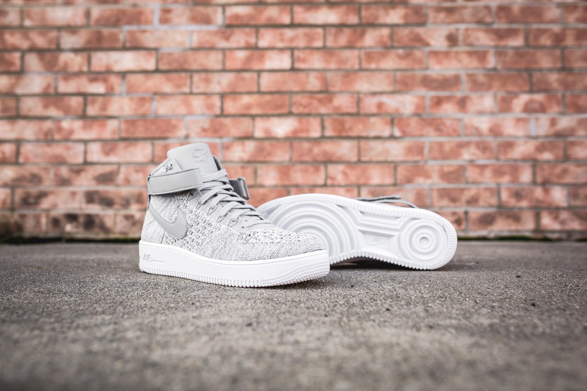 wolf-grey-nike-air-force-1-ultra-flyknit-mid-closer-look-2