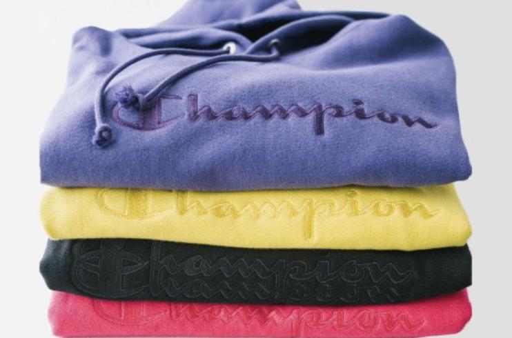 Urban Outfitters dévoile les prochains sweats Champion