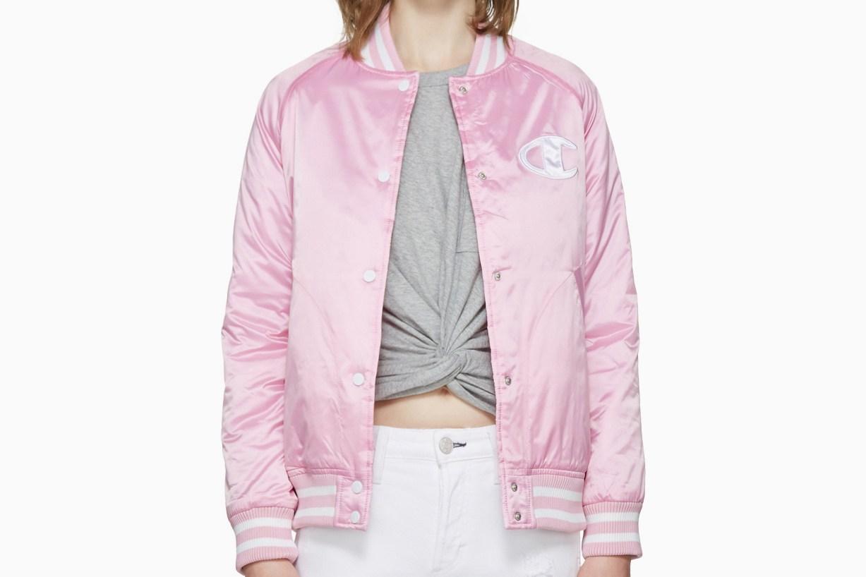 champion-reverse-weave-logo-bomber-pink-black-4