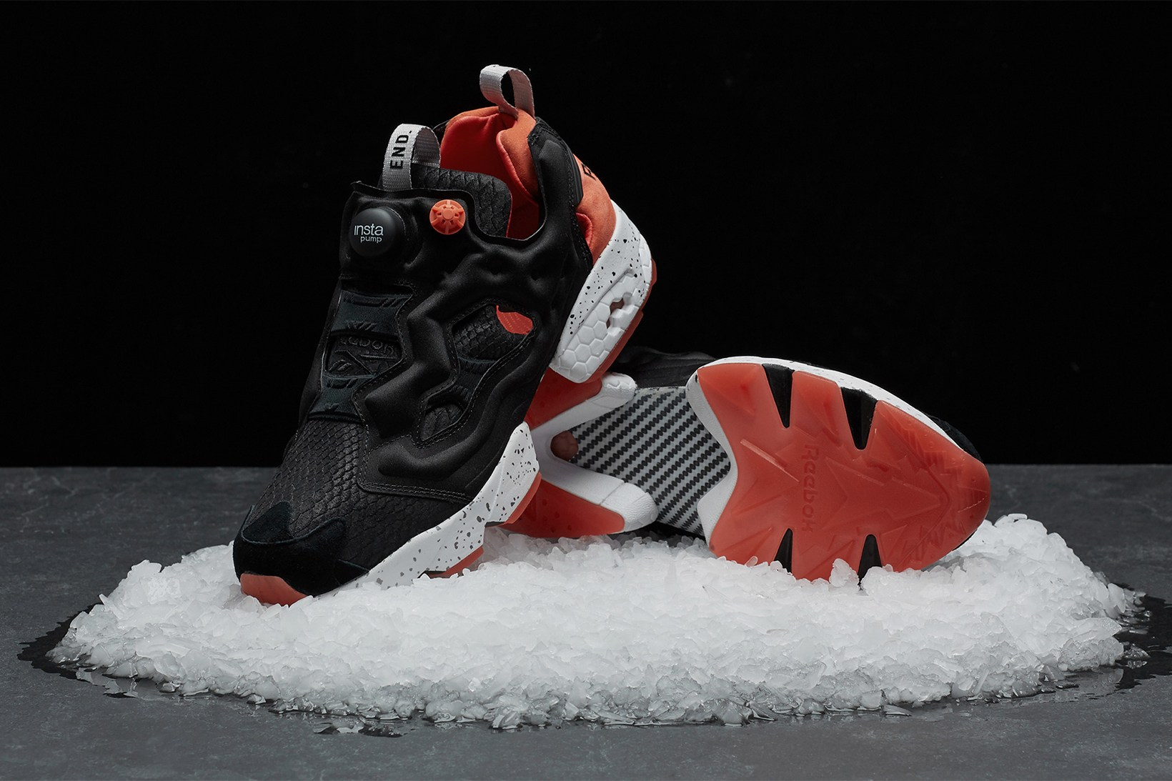end-reebok-instapump-fury-black-salmon-3