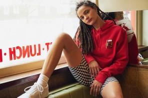 Sasha Lane prend la pose dans la campagne Vans x Urban Outfitters