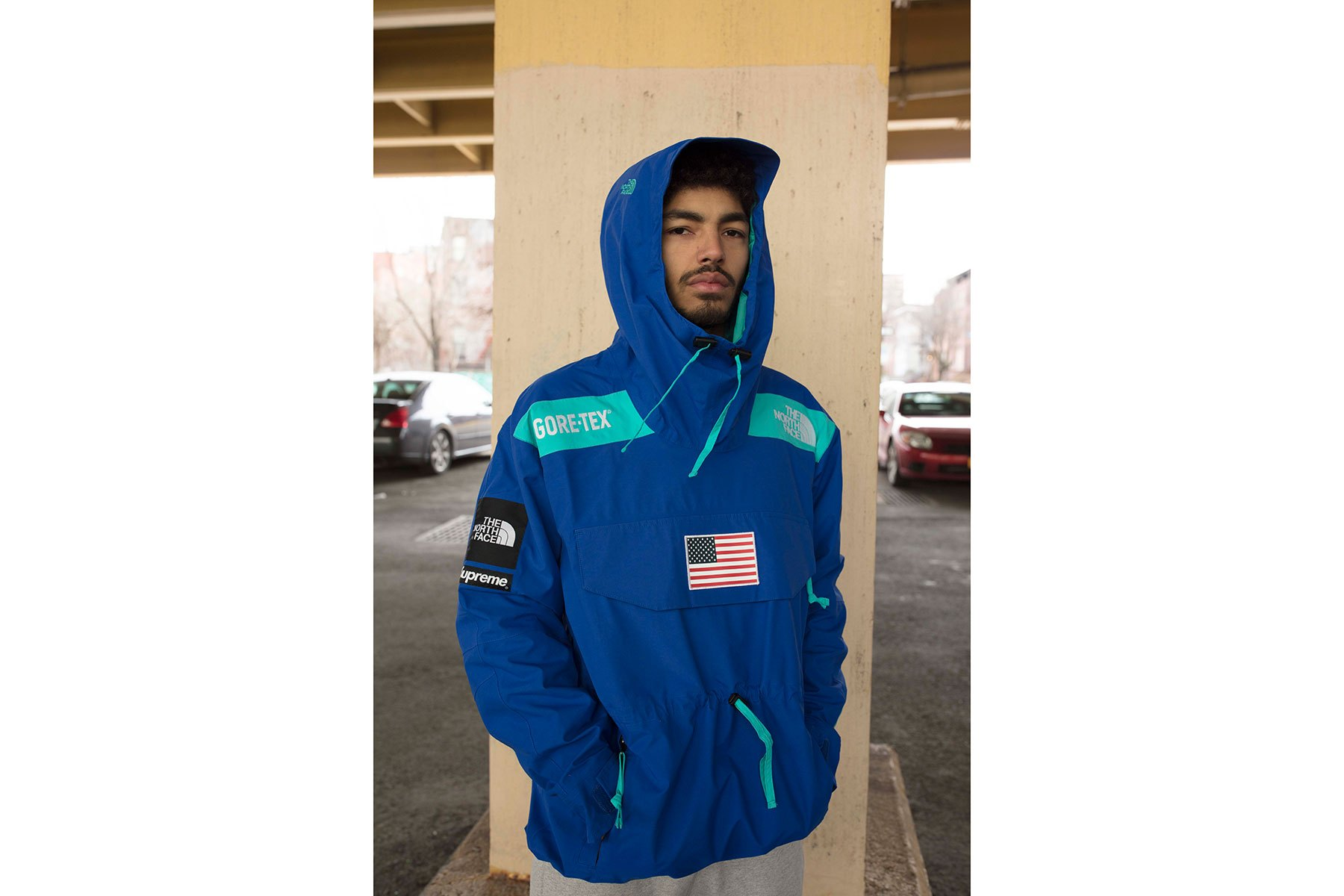 supreme-the-north-face-2017-spring-summer-lookbook-blue-pullover-4