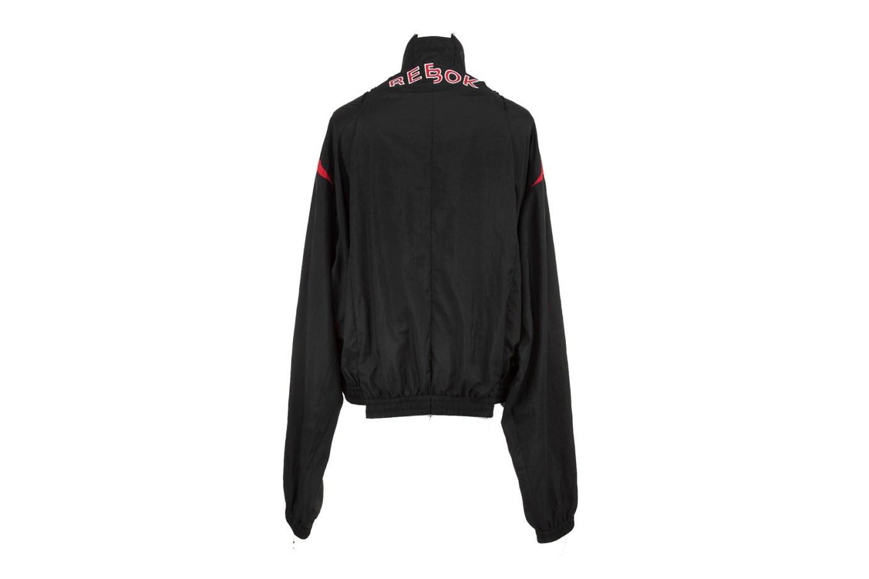 vetements-reebok-track-jacket-02