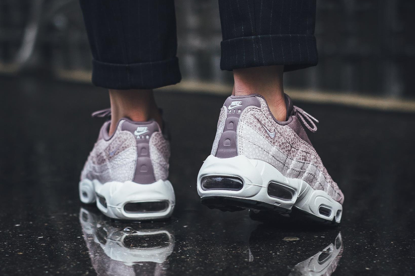 nike-air-max-95-premium-purple-smoke-2