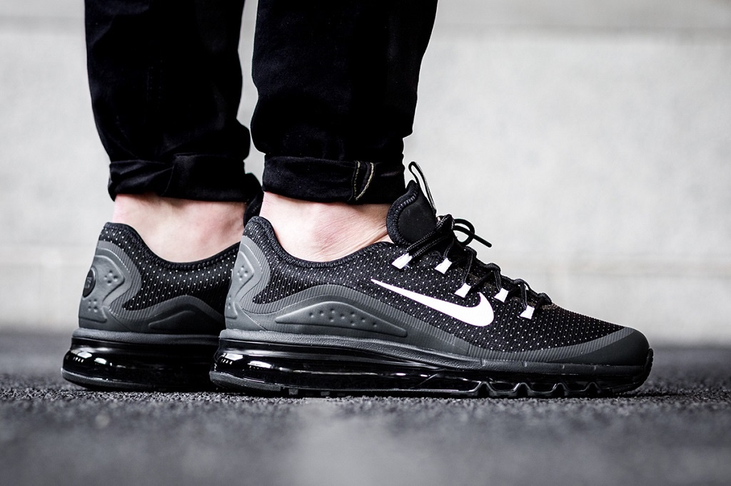 nike-air-max-more-black-2