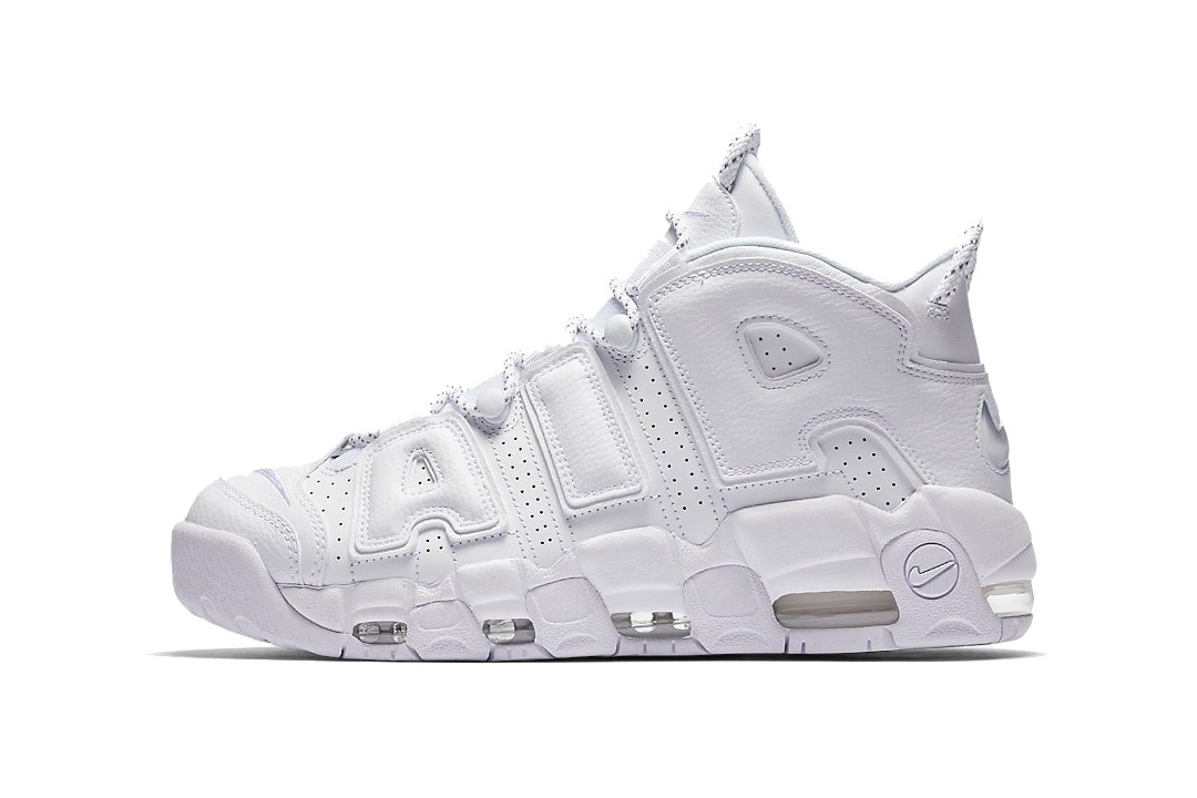 La Nike Air More Uptempo sort dans une itération «Triple White»