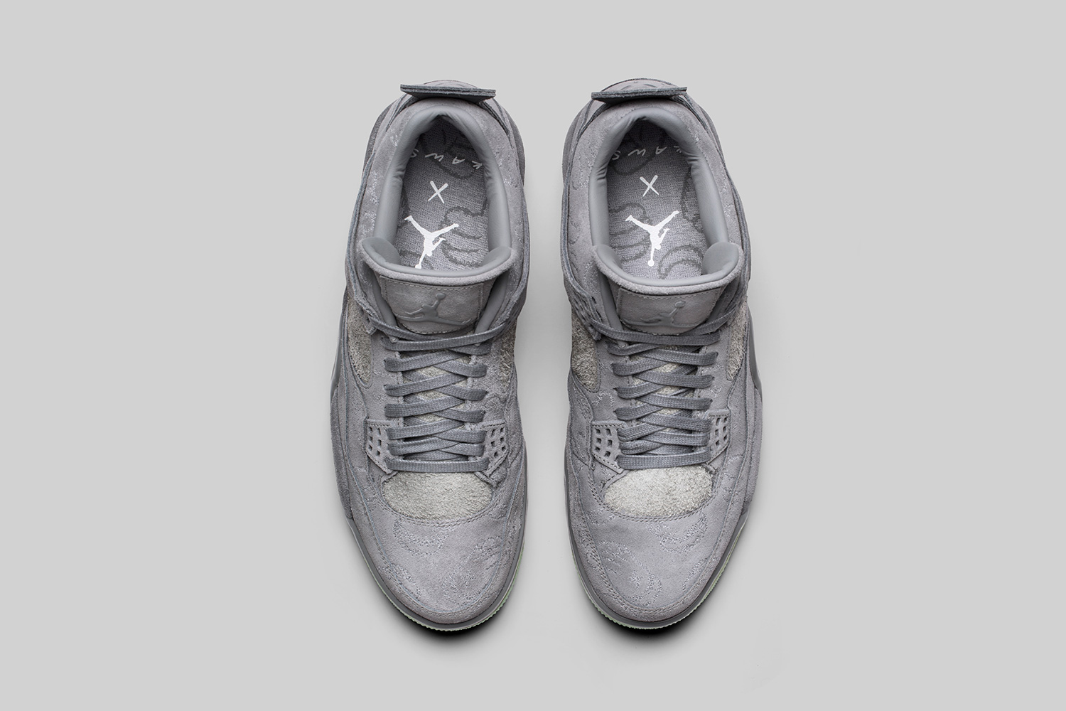 kaws-air-jordan-4-official-images-04