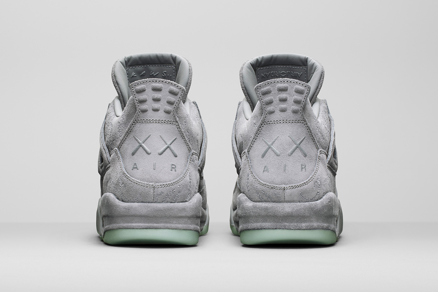 kaws-air-jordan-4-official-images-05