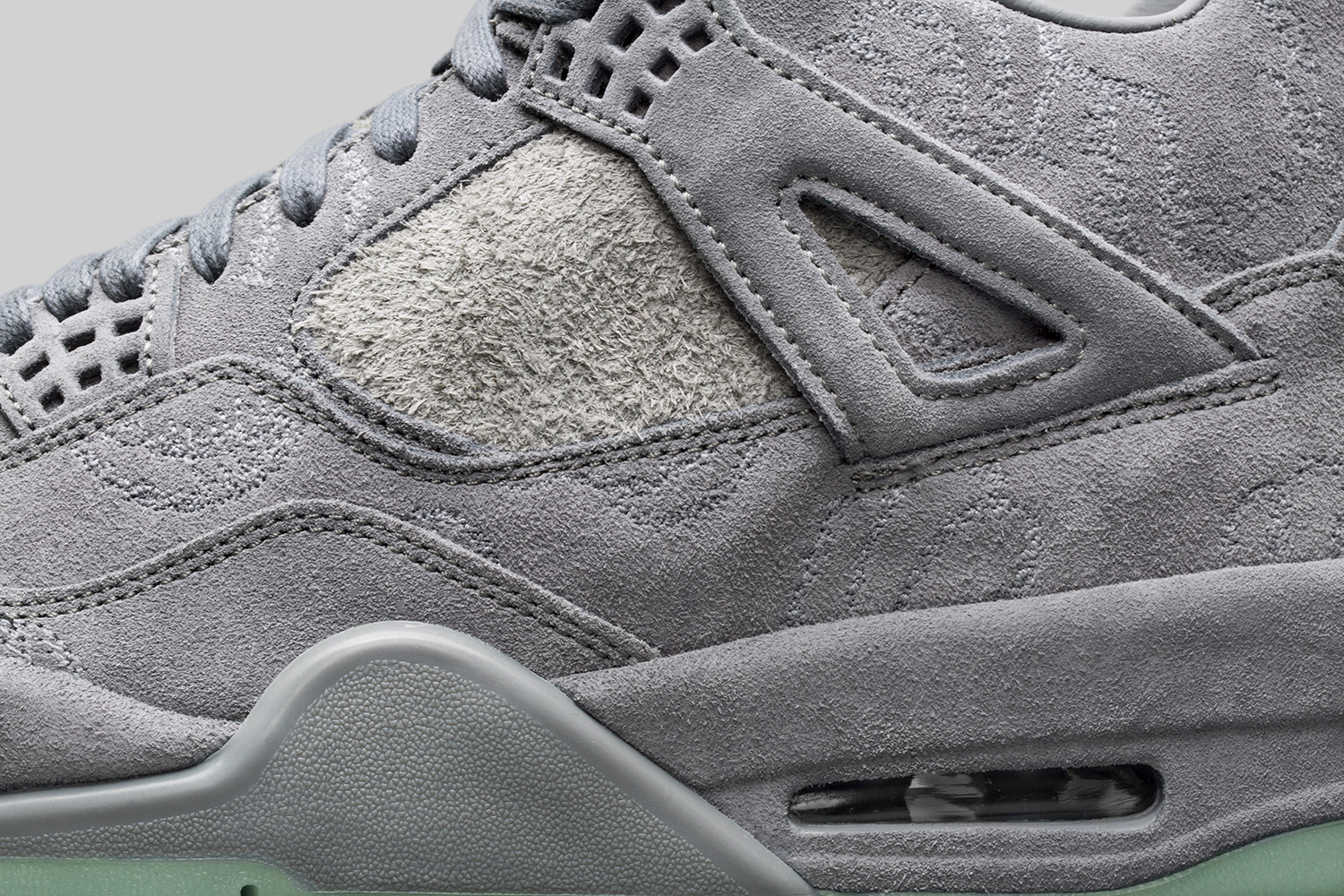 kaws-air-jordan-4-official-images-06