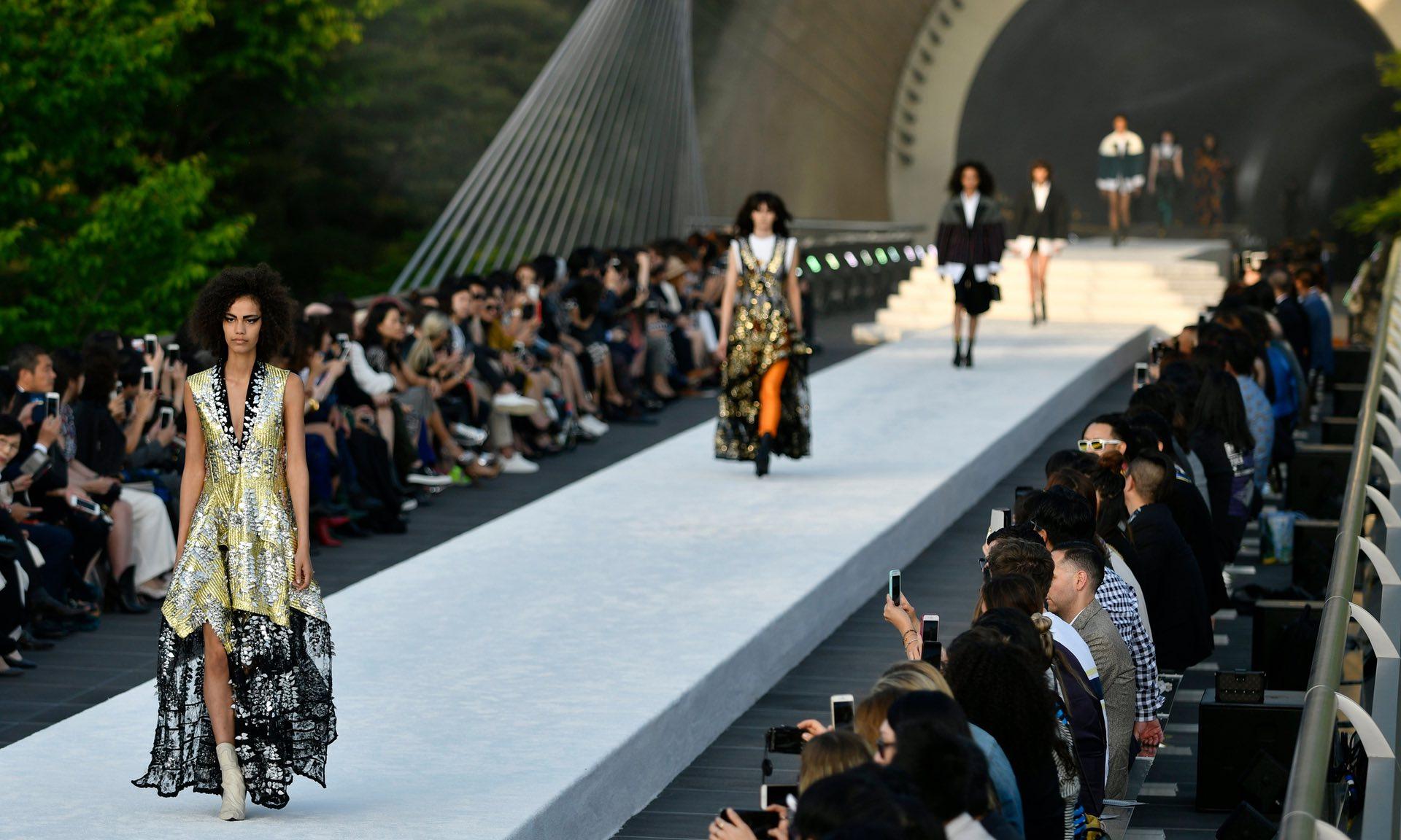 Nicolas Ghesquière dévoile sa collection Croisière Louis Vuitton 2018 à Kyoto