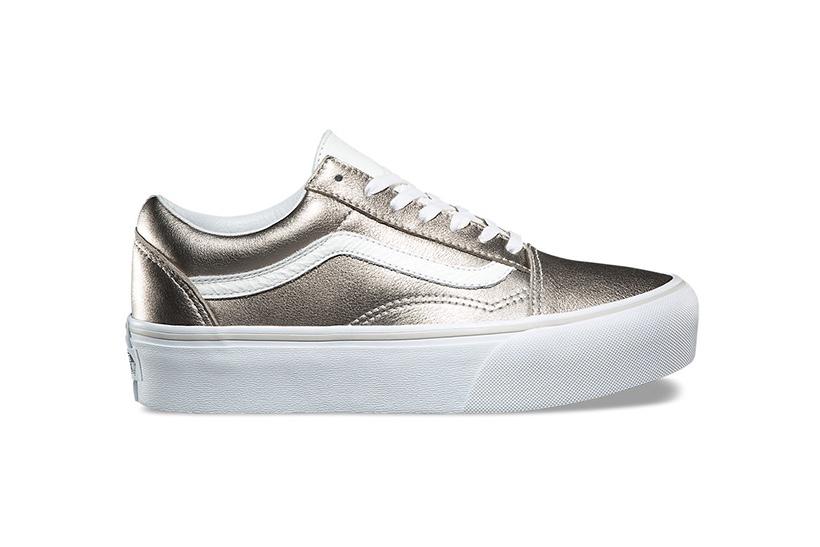 La Vans Old Skool Plateform se dote d'un coloris silver
