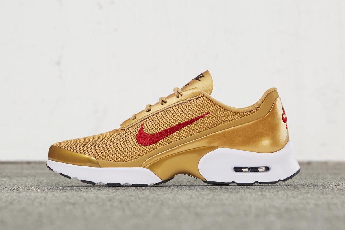 Nike enchaîne les sorties avec l'Air Max Jewell «Gold Metallic»