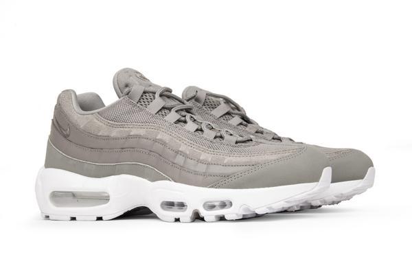 La Nike Air Max 95 sous un nouveau coloris : «Cobblestone Grey»