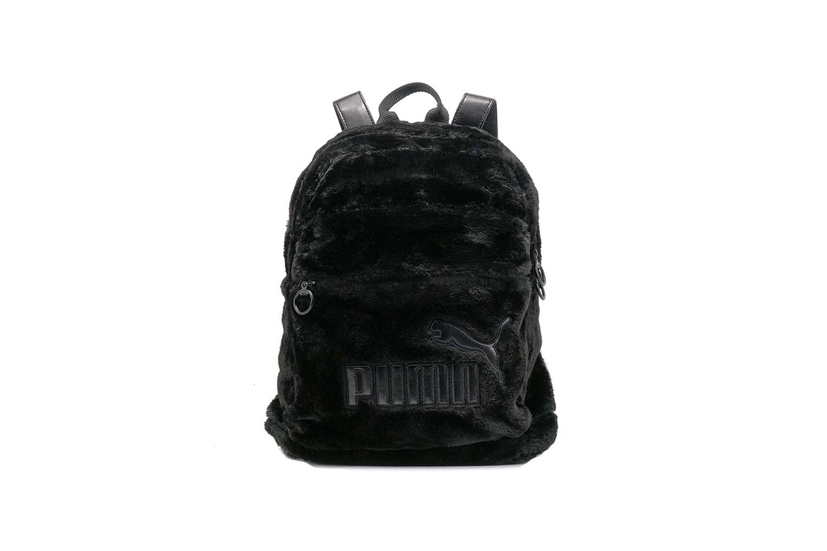 http-bae.hypebeast.comfiles201707puma-fur-pouch-backpack-scallop-shell-black-33