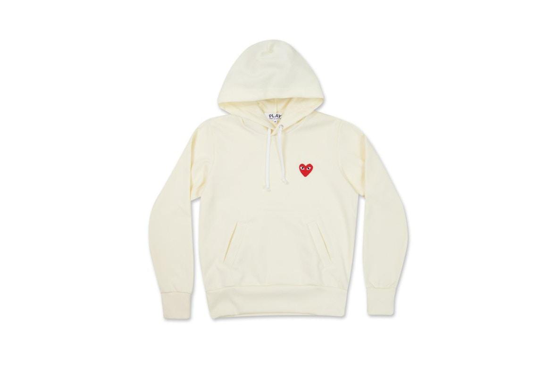 Le nouveau hoodie qu'il vous faut pour la rentrée est CE hoodie COMME des GARÇONS PLAY