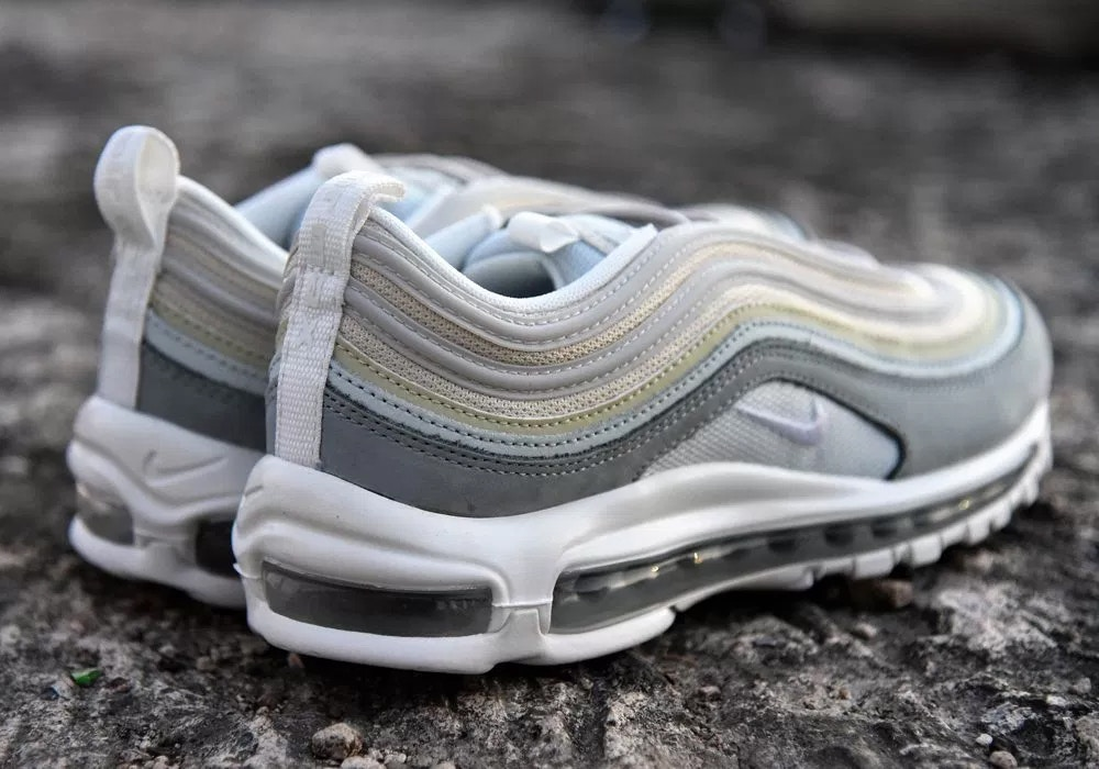 trends periodical air max 97 light pumice