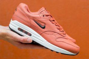 """Nike nous révèle une Luxe Air Max 1 Jewel dans un colorway """"Salmon Pink"""""""