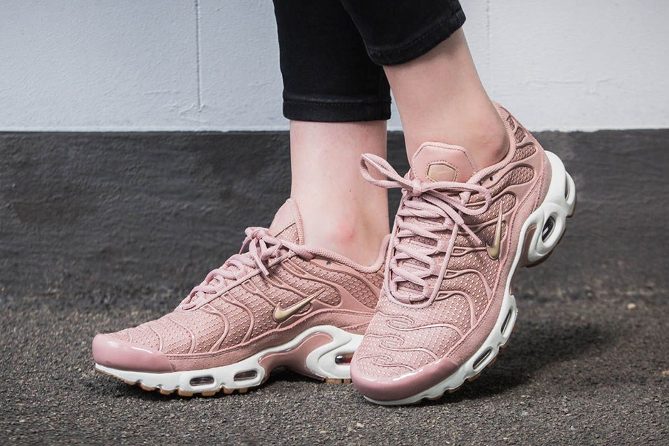 air max plus rose gold