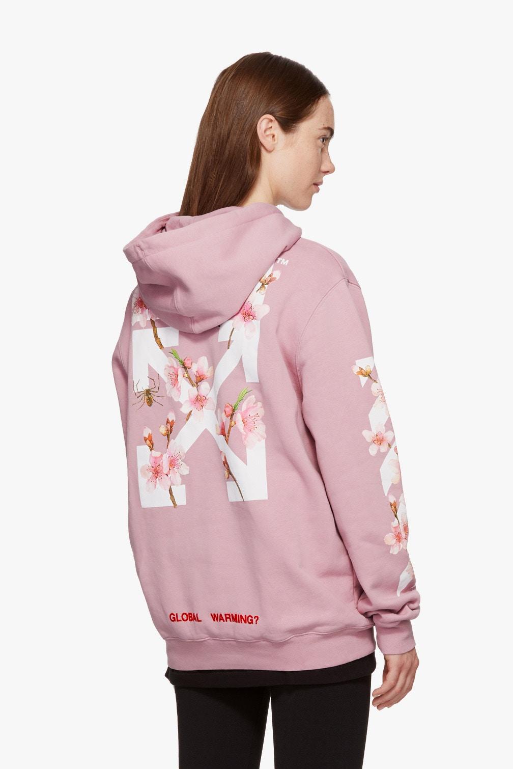 Le hoodie cherry bloom Off White  est disponible en Millenium Pink