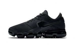 La nouvelle Nike Vapormax CS  en Triple Black