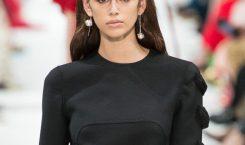 Les images du défilé Valentino à Paris