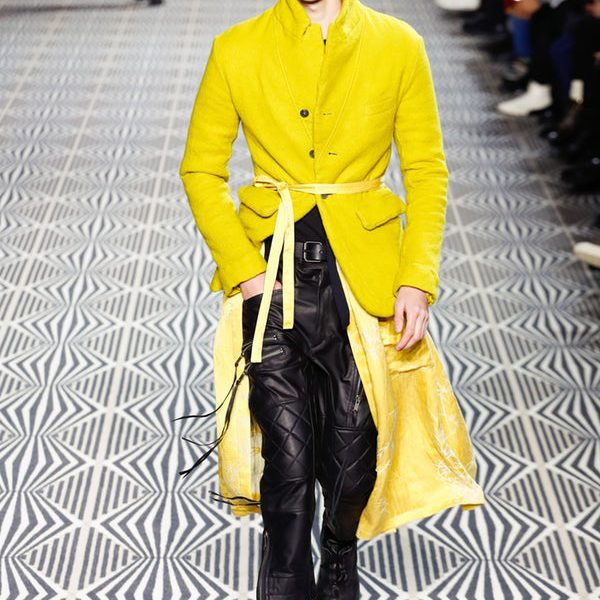Haider Ackermann ignore les règles de la Fashion Week