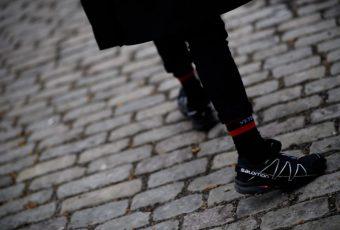 Pourquoi la Speedcross de Salomon est la sneakers star des mois à venir