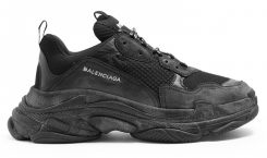 "La Triple S Balenciaga ""All Black"" de nouveau disponible !"