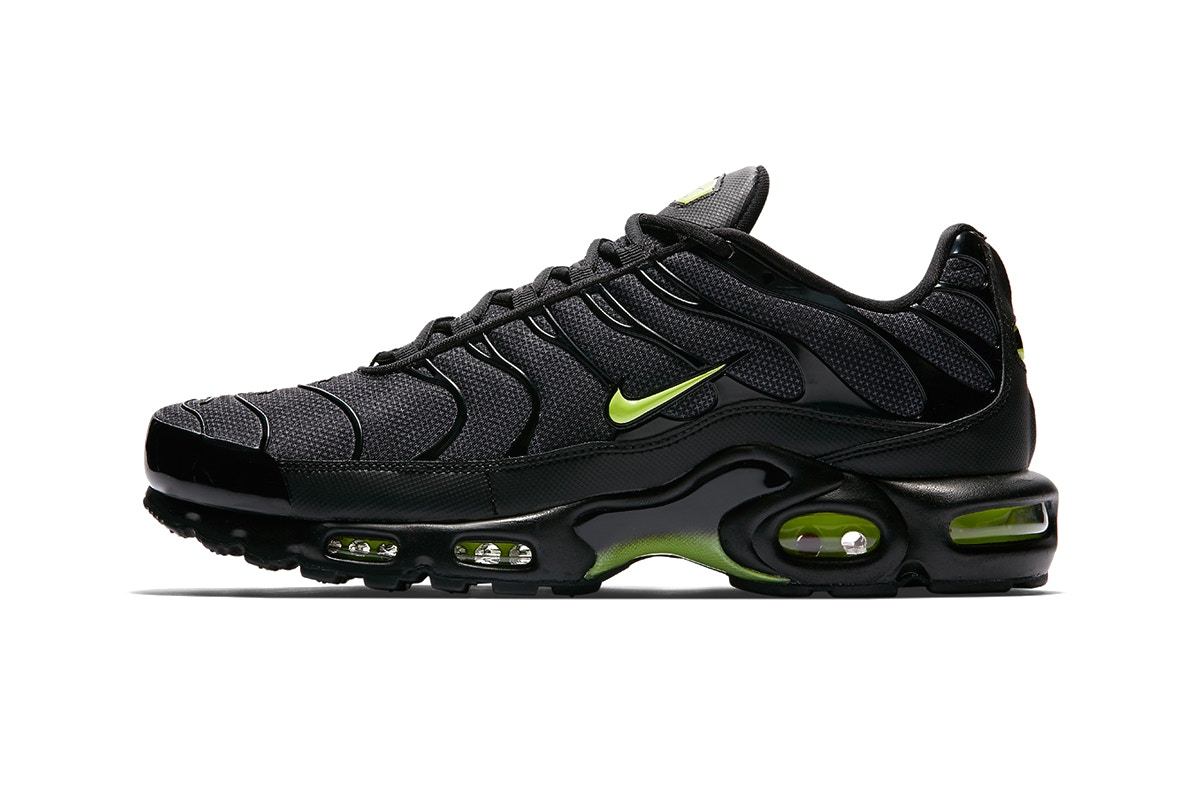 new arrival 4dff1 7c2fd ... clearance nike air max plus neon trends e52cb 04d76