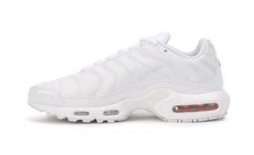 La Air Max Plus « Triple White » est enfin disponible !