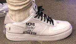 Découvrez le custom Air Force 1 « Plus qu'un athlète…