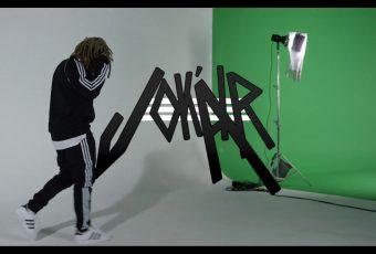 Jok'Air enfile son jogging Adidas dans son nouveau clip «Mon Survet» !