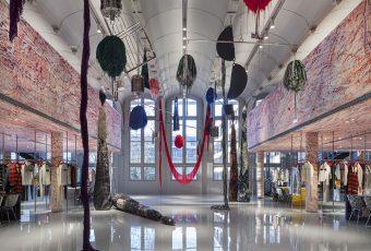 Calvin Klein par Raf Simons ouvre ses portes à Paris !
