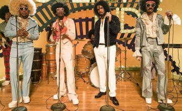 Migos et Drake rendent hommage aux années 1970 dans le clip « Walk It Talk It » !