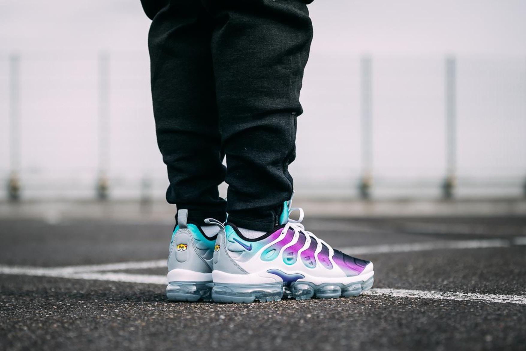 nike-air-vapormax-plus-grape-on-feet-1