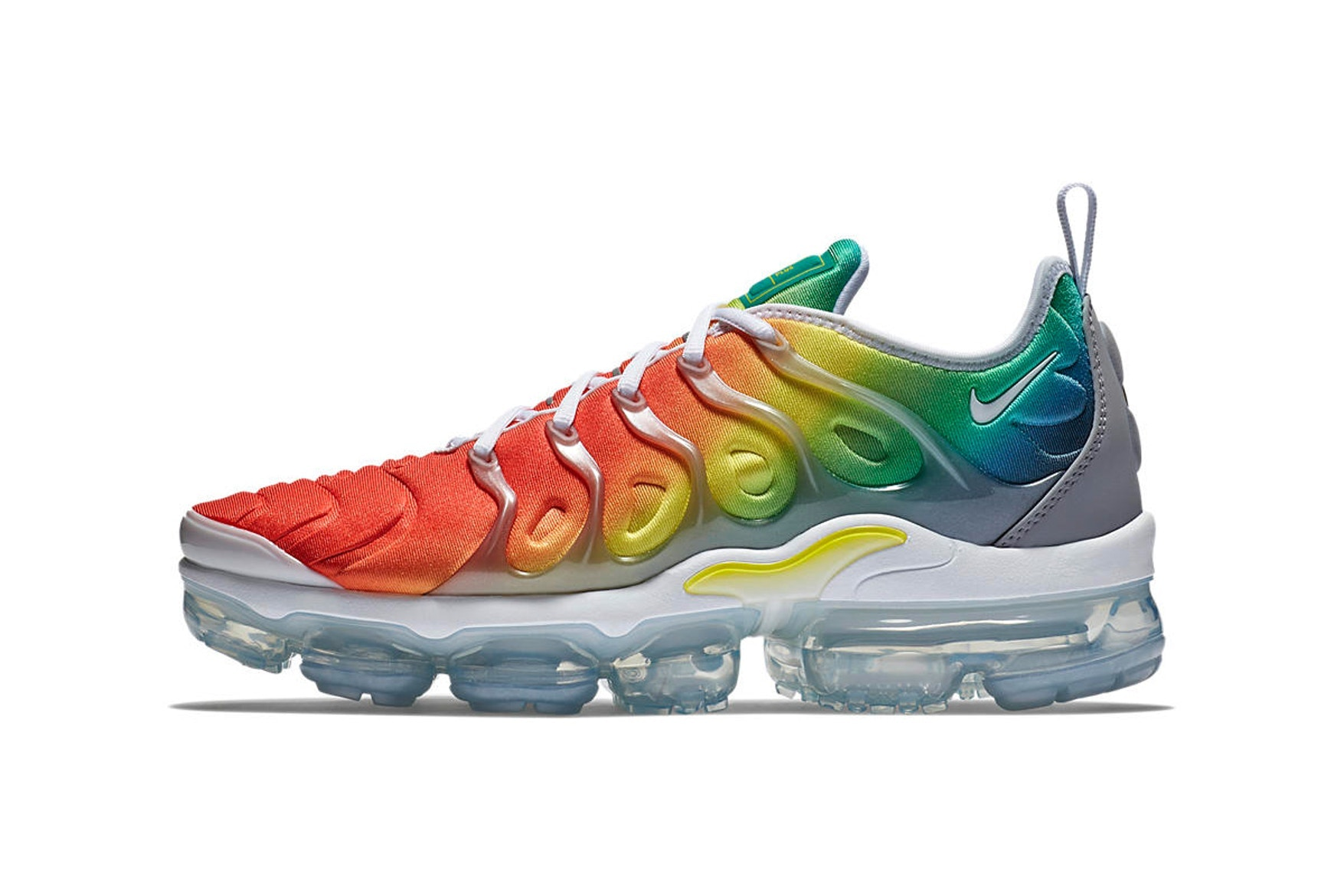 nike-air-vapormax-plus-new-color-transitions-2