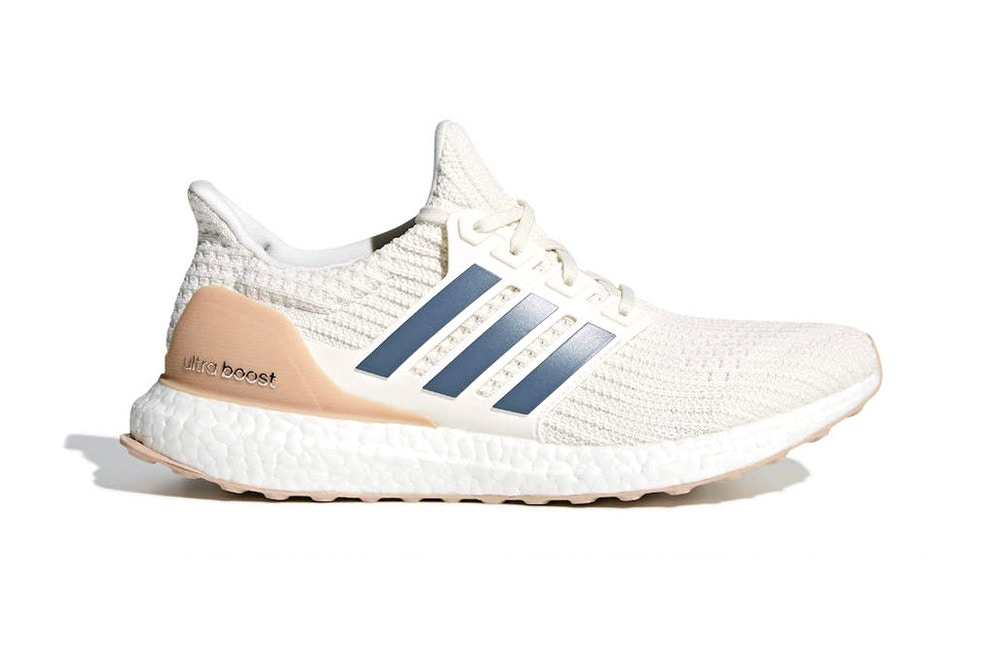 "Le pack adidas UltraBOOST 4.0 ""Show Your Stripes"" dévoile le coloris ""Cloud White"""