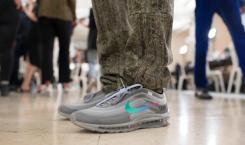 Voici les deux nouvelles sneakers dévoilées par Virgil Abloh lors…