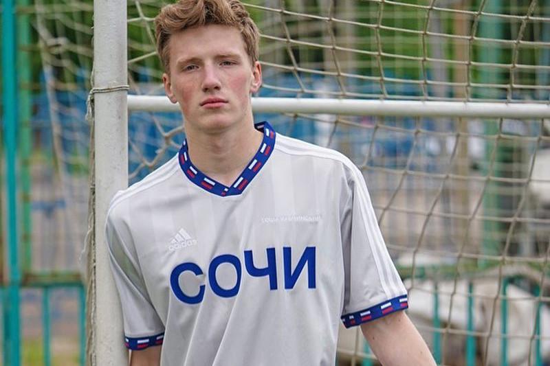 Gosha Rubchinskiy se prennent la main pour la Coupe du monde 2018