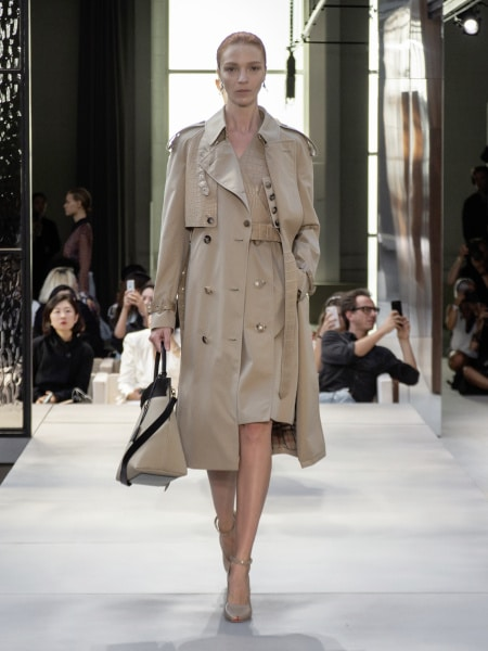 burberry_spring_summer_2019_collection_-_look_05_0