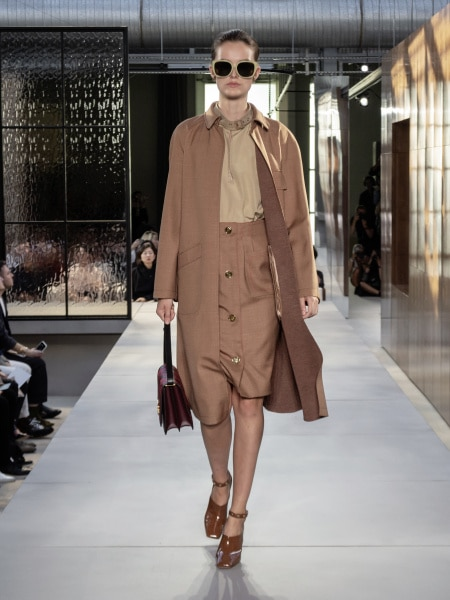 burberry_spring_summer_2019_collection_-_look_09_0