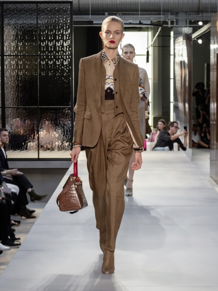 burberry_spring_summer_2019_collection_-_look_32_0