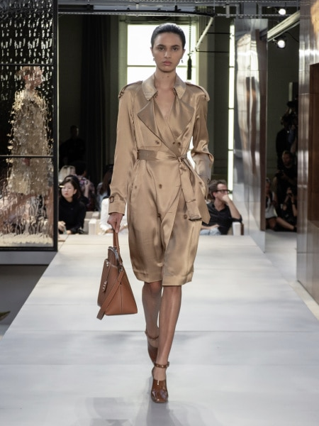 burberry_spring_summer_2019_collection_-_look_43_0