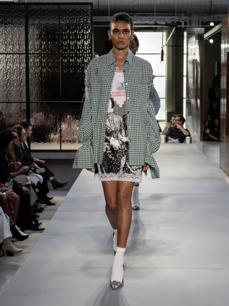 burberry_spring_summer_2019_collection_-_look_76_0