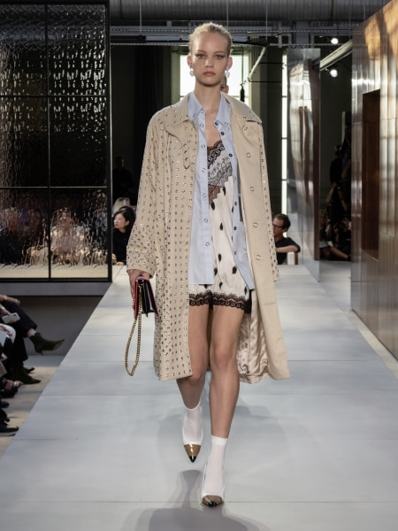 burberry_spring_summer_2019_collection_-_look_85_0