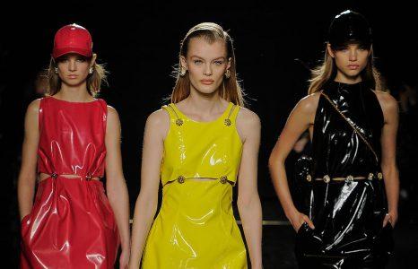 Du bling et des robes mythiques : Donatella ressuscite Versace
